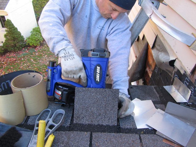 ... Duo Fast Cordless Roofing Nailer DFCR175C