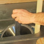 changing a saw blade