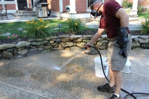 How to remove a rust stain off concrete or bluestone for Hydrochloric acid for cleaning concrete