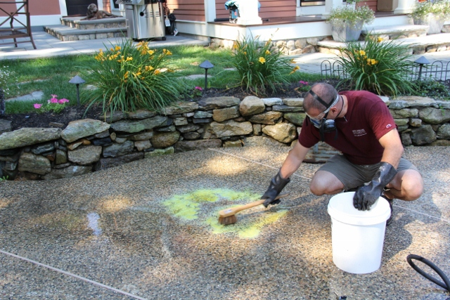 How to remove a rust stain off concrete or bluestone for Cleaning concrete patio