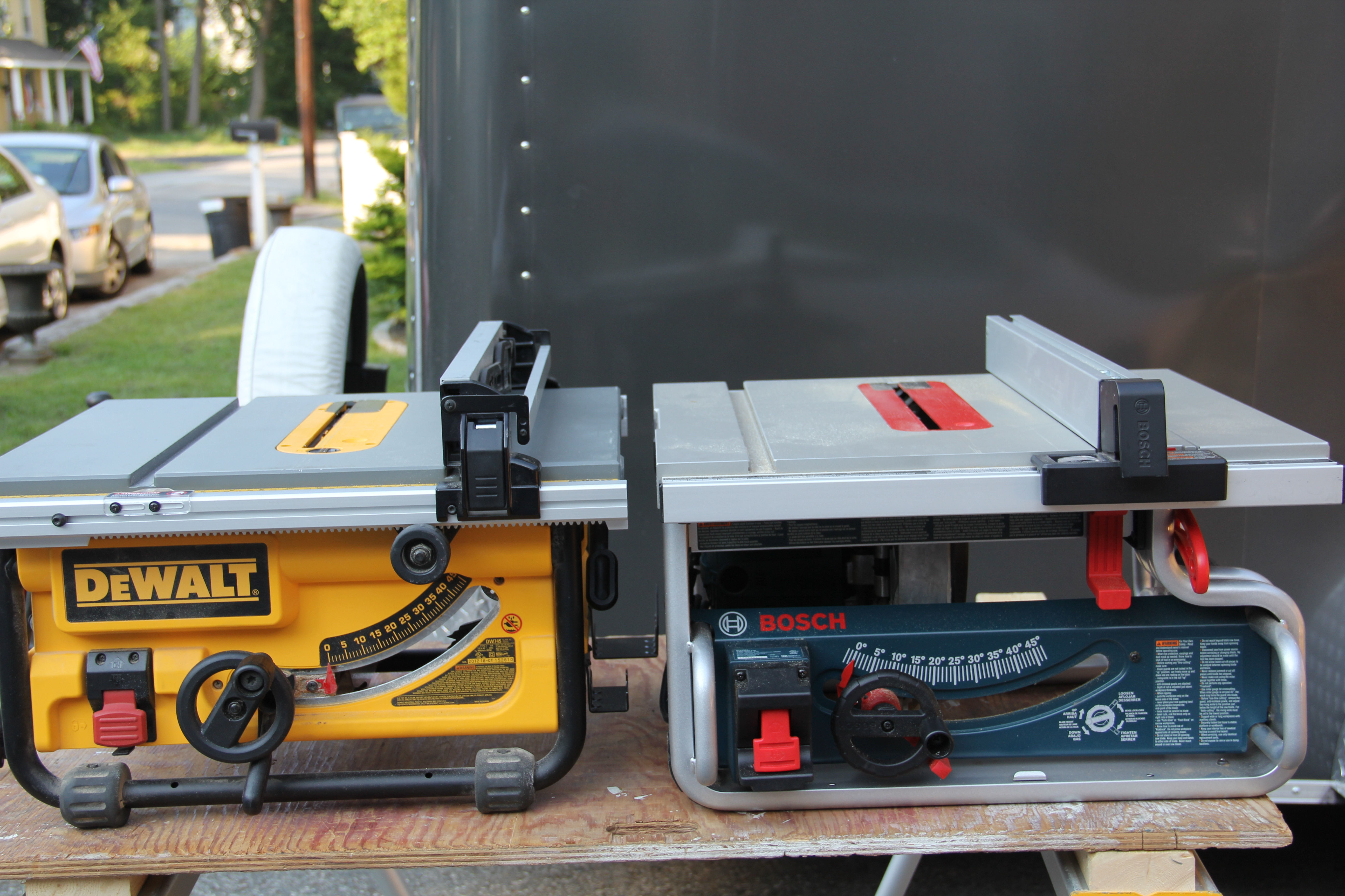 Dewalt vs bosch compact table saw comparison dewalt dw745 and bosch gts 1031 10 inch tables saws greentooth