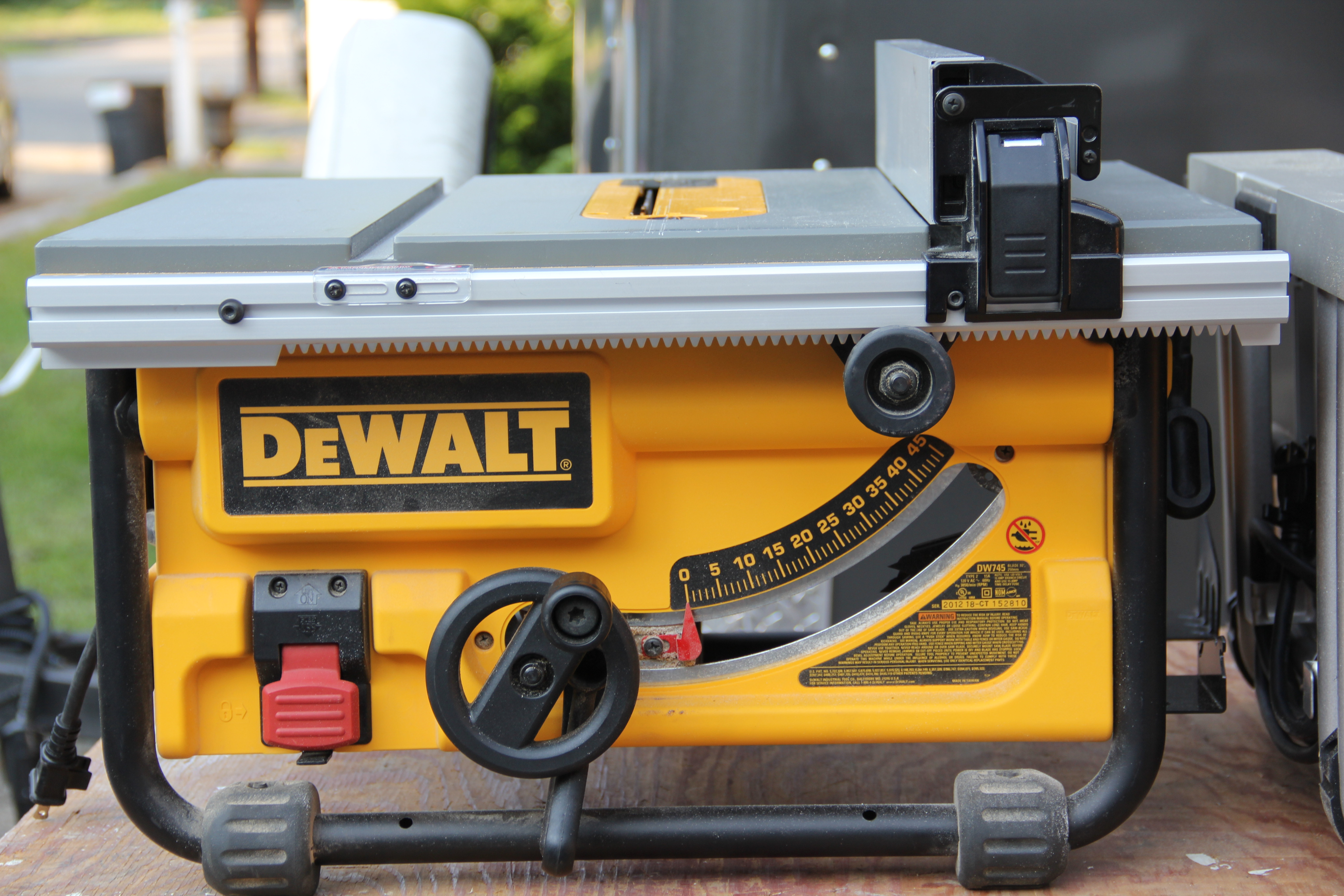 Dewalt vs bosch compact table saw comparison m dewalt dw745 greentooth Images