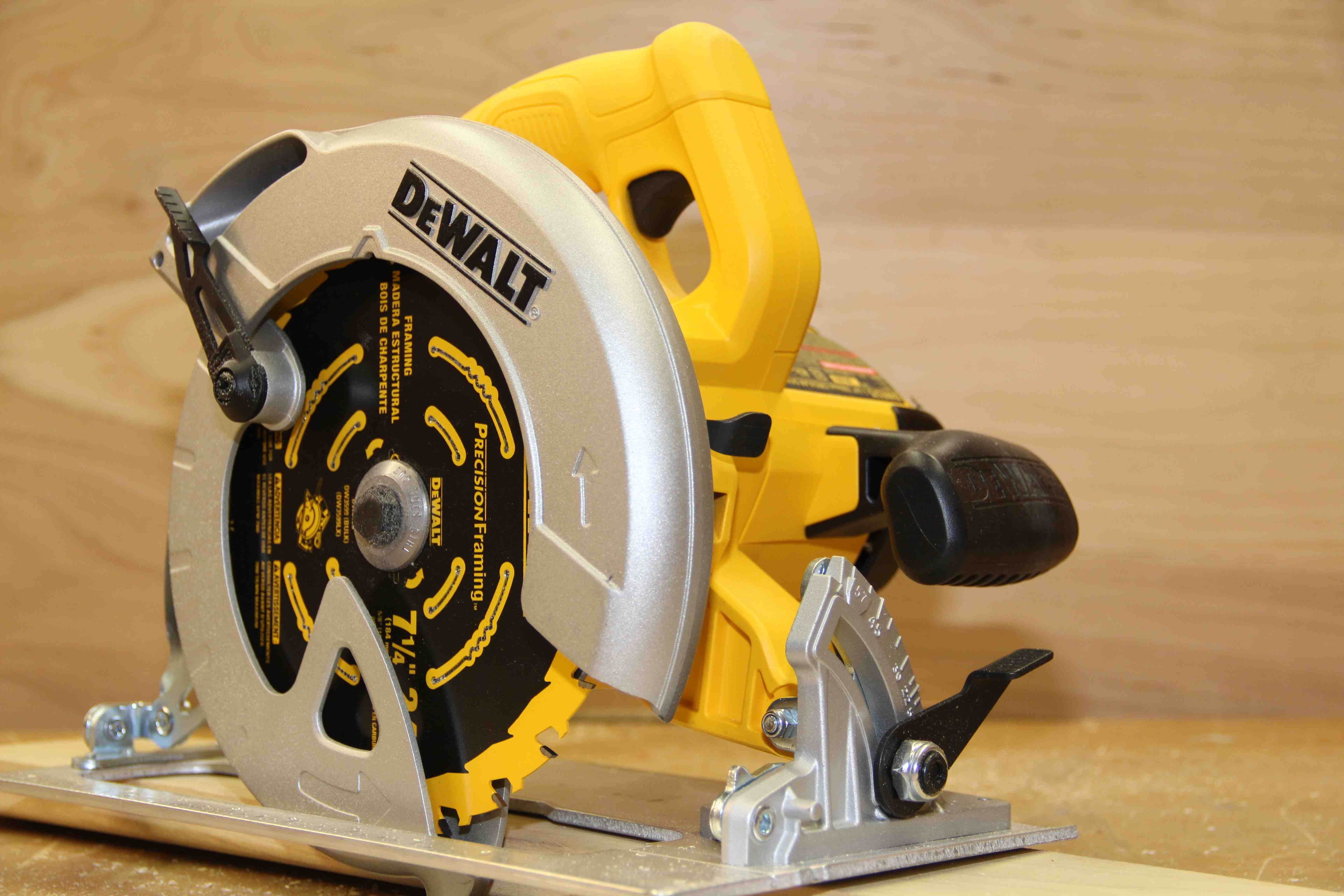 Dewalt lightweight circular saw dwe575 greentooth Choice Image
