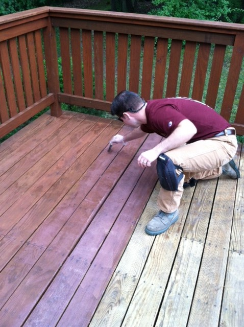 How To Stain A Deck With Thompson S Waterseal Concord