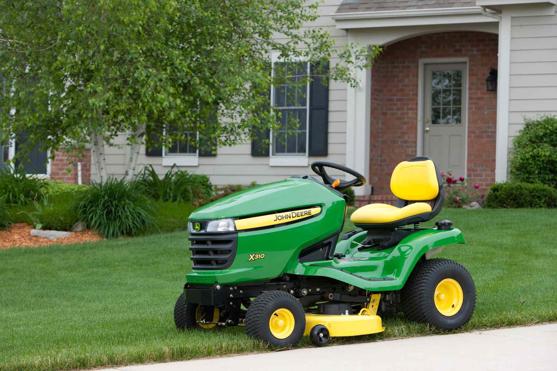 Tips On How To Maintain Your Lawn Mower In The Fall