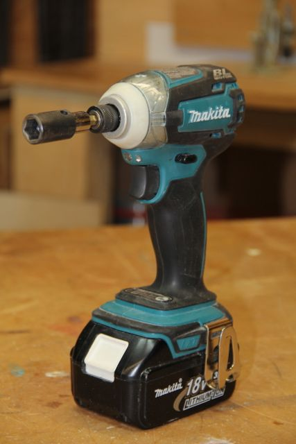Makita LXDT06 18-Volt Brushless 3-Speed Impact Driver Review