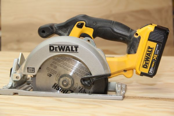 Dewalt 20v 6 12 cordless circular saw dcs391 a concord carpenter greentooth Choice Image