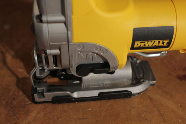 Dewalt variable speed jigsaw dw331k a concord carpenter i use the jigsaw almost everyday in the field and the dewalt design has yet to disappointed me it has excellent power features and accessories greentooth Gallery