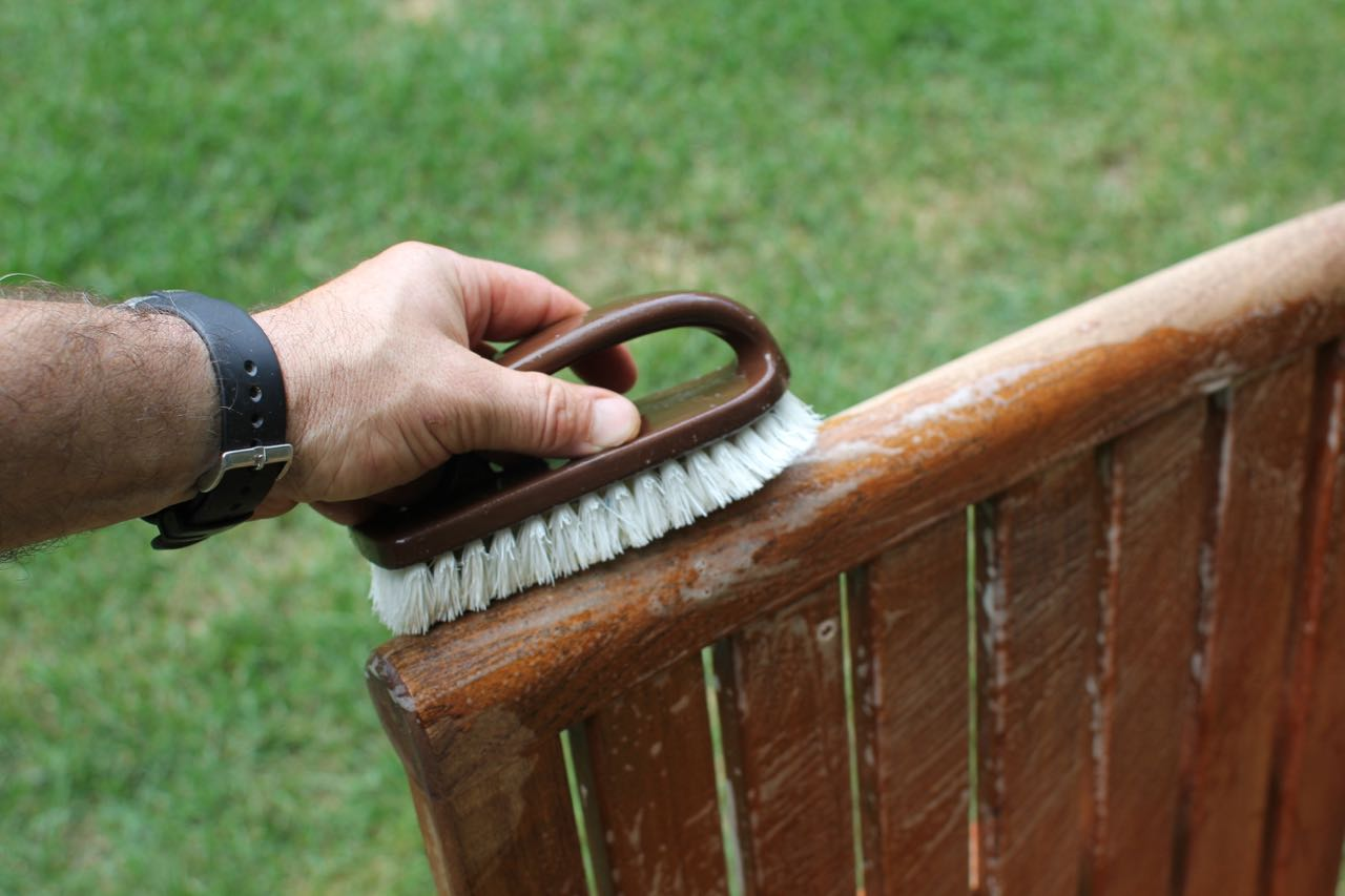 how to clean teak patio furniture