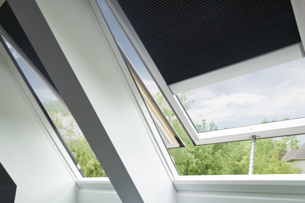Kit renovation velux awesome balcony window with kit for How to clean velux skylights